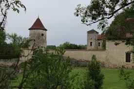Mariage au château de Chapeau Cornu dans l'Isère